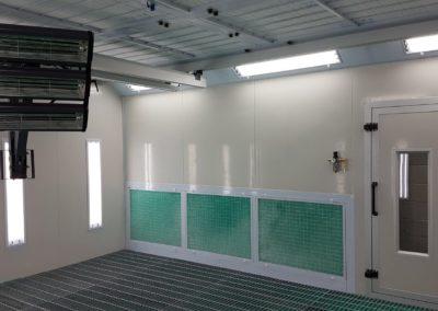cabine de peinture avec bras infrarouge suspendu